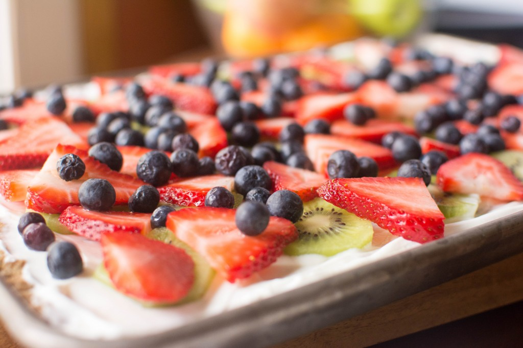 Fruit Pizza with Oatmeal Cookie Crust from Stirlist.com